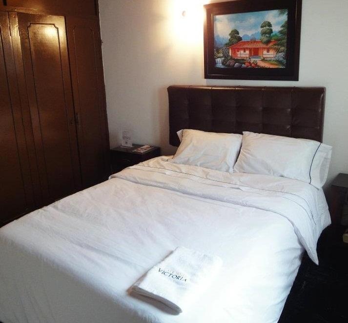 Hotel cerca de liceo segovia el mejor precio de la zona mf casa hotel victoria bogota - Hotel casa victoria suites ...